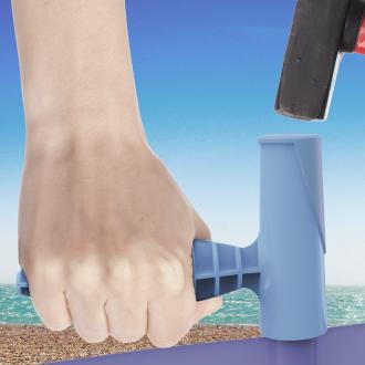 Easy Windbreak Tool in use on the beach
